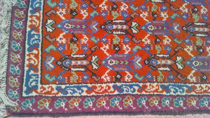 Antigüedades: Preciosa alfombra persa tonos rojos ,azules y borde morado. Oriental. - Foto 4 - 44276010