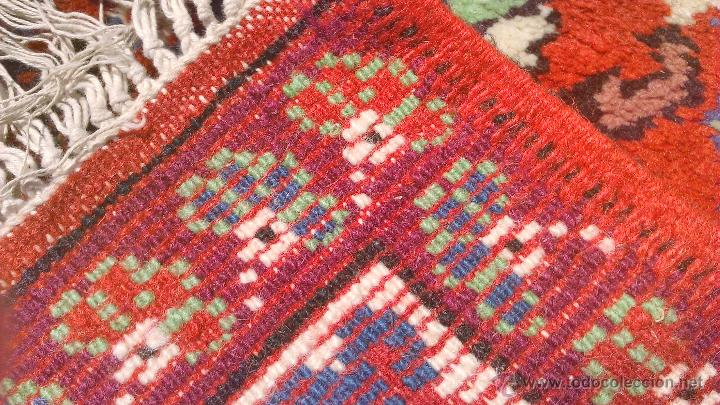 Antigüedades: Preciosa alfombra persa tonos rojos ,azules y borde morado. Oriental. - Foto 5 - 44276010