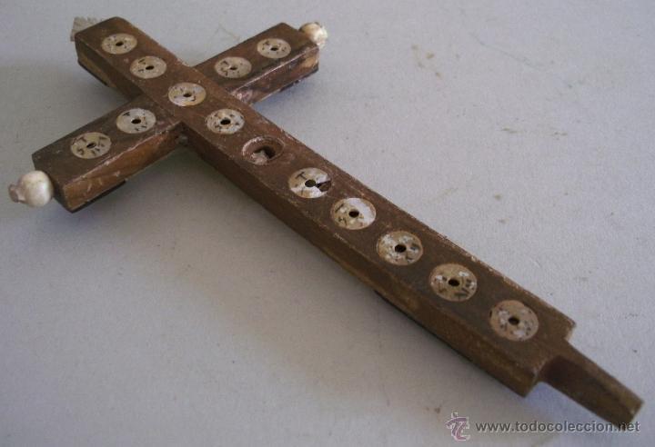 Antigüedades: cruz de jerusalen, con encrustaciones de nacar y adorno de hueso o marfil (9x16cm aprox) - Foto 4 - 44302758