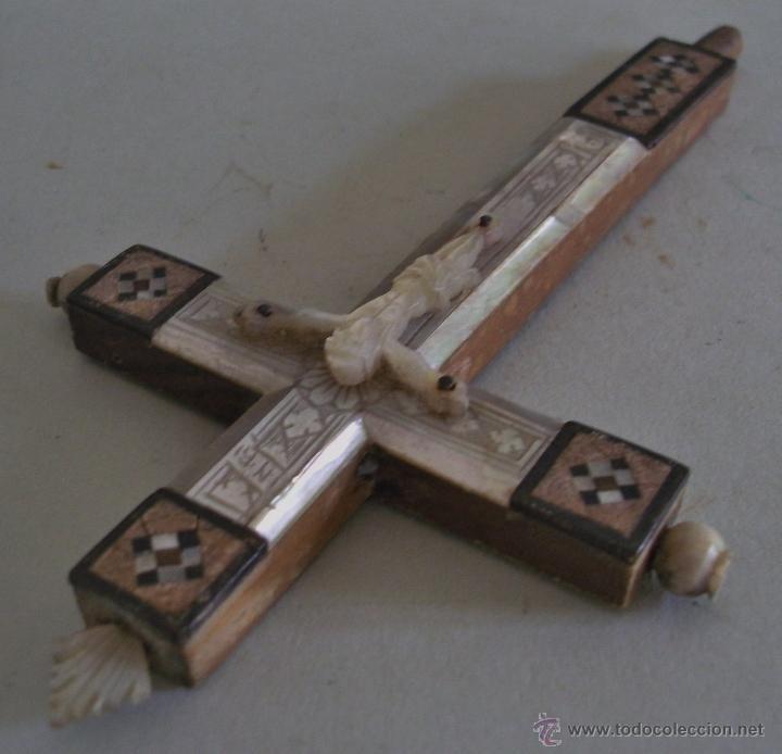 Antigüedades: cruz de jerusalen, con encrustaciones de nacar y adorno de hueso o marfil (9x16cm aprox) - Foto 6 - 44302758