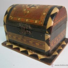 Antigüedades: ANTIGUA CAJA COFRE TARACEA MADERAS Y HUESO. Lote 44304223
