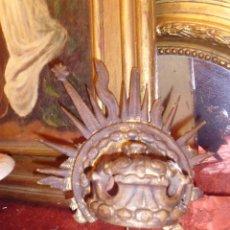 Antigüedades: ANTIGUA CORONA DE MADERA TALLADA DE MEDIADOS SIGLO XIX. Lote 44305630