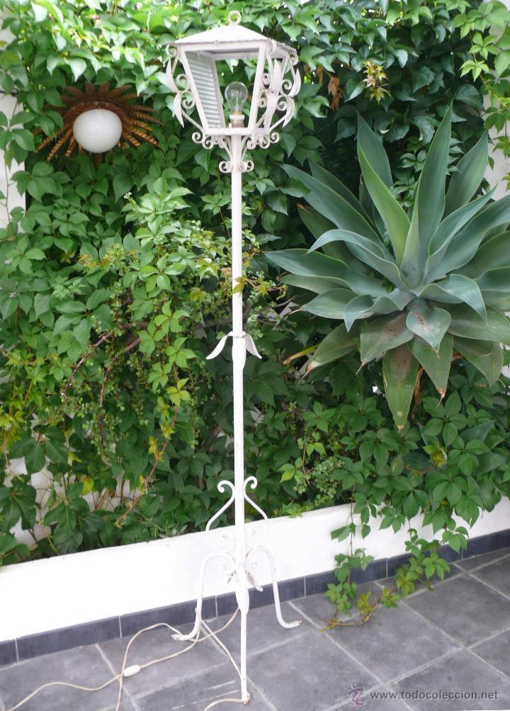 Lampara farol antigua en hierro para jardin comprar for Camastros de hierro para jardin