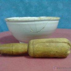 Antigüedades: ALMIREZ CERAMICA VASCA MANO DE NOGAL. Lote 44323140