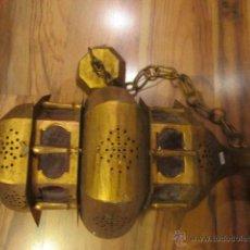 Antigüedades: VIEJO Y GRAN FAROL DE TECHO EN LATÓN, CON CRISTALES ROJOS. EXTREMO DESSOLDADO. 72 CMS. LARGO.. Lote 44328081