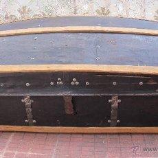 Antigüedades: GRAN BAÚL S. XIX FORRADO EN PIEL. Lote 44338711