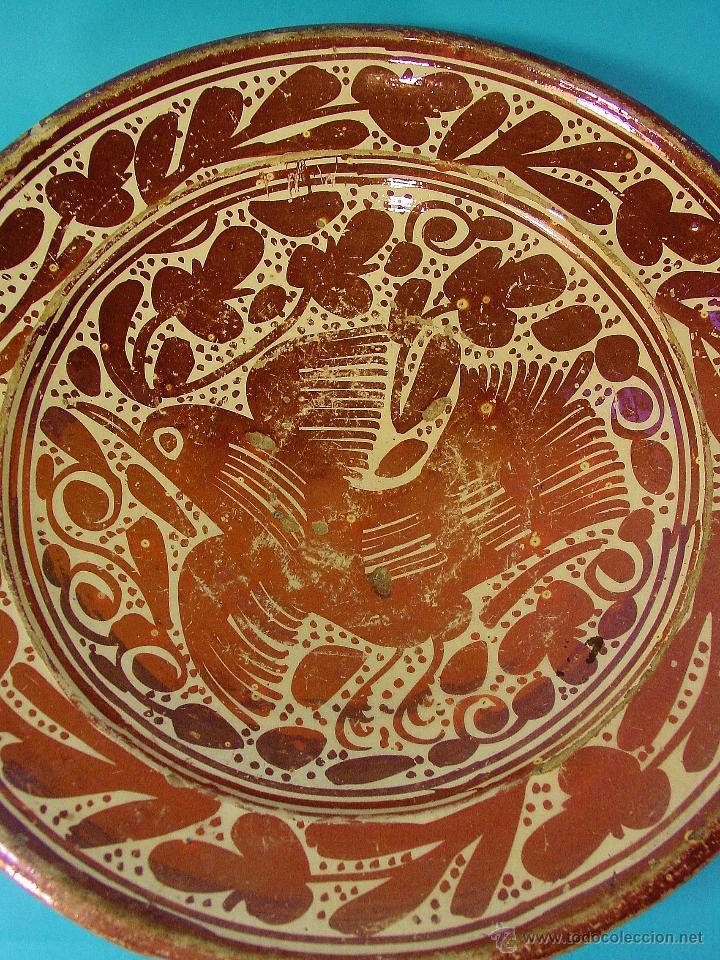 Antigüedades: GRAN PLATO EN CERÁMICA DE REFLEJO METÁLICO, DECORADO CON PARDALOT. MANISES. SIGLO XVII. - Foto 2 - 44351185