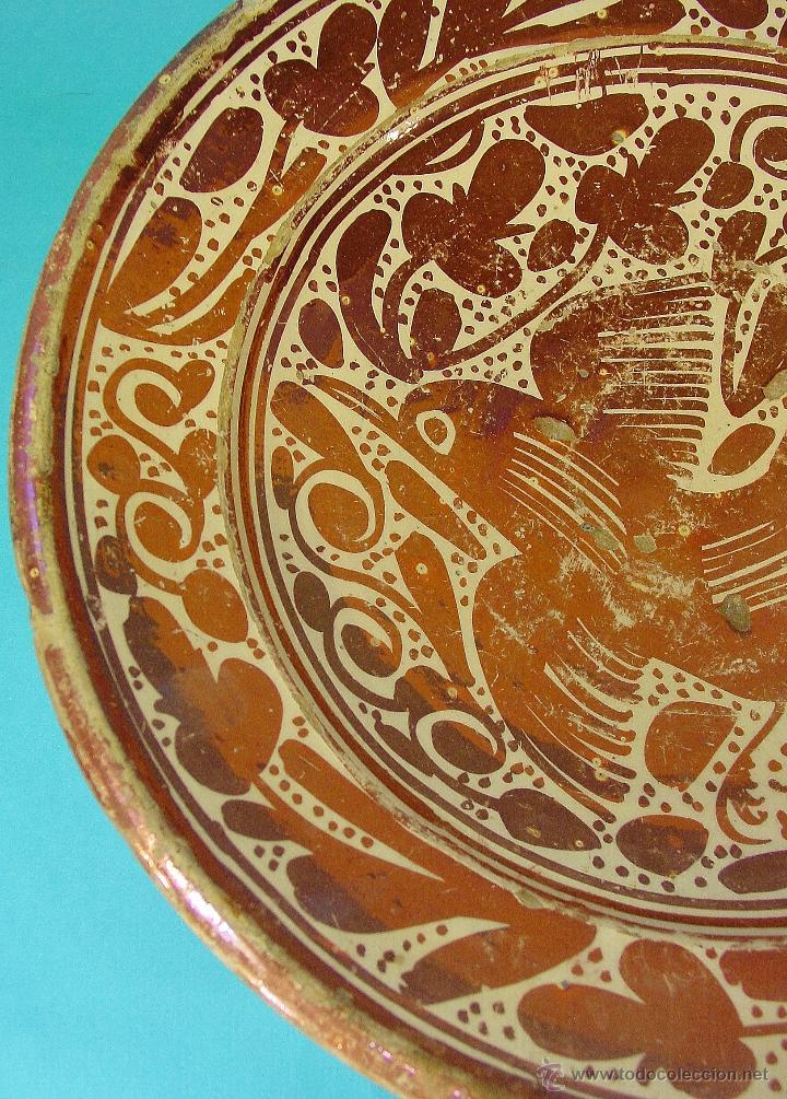 Antigüedades: GRAN PLATO EN CERÁMICA DE REFLEJO METÁLICO, DECORADO CON PARDALOT. MANISES. SIGLO XVII. - Foto 3 - 44351185