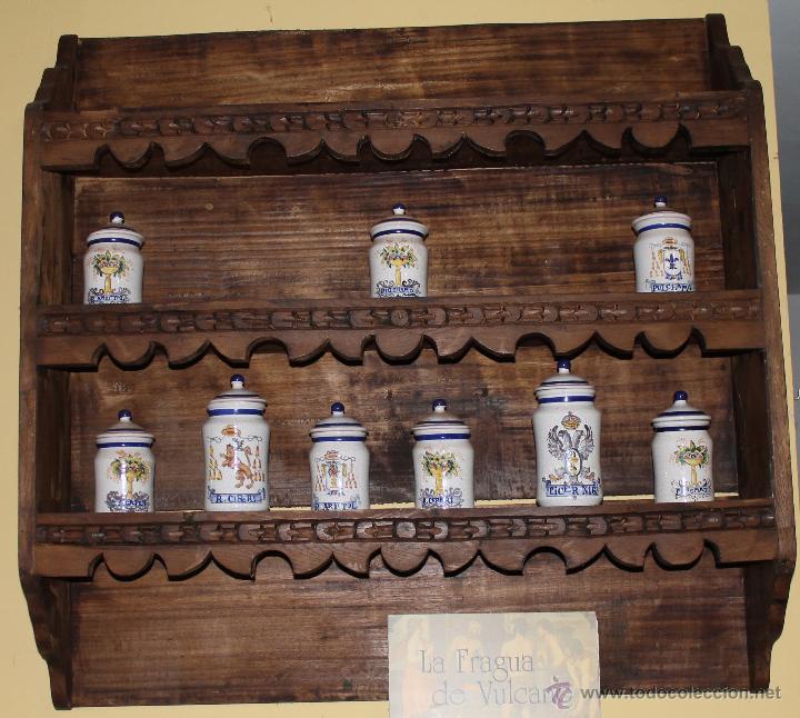 MUEBLE Y COLECCION DE JARRONES (Antigüedades - Muebles Antiguos - Armarios Antiguos)