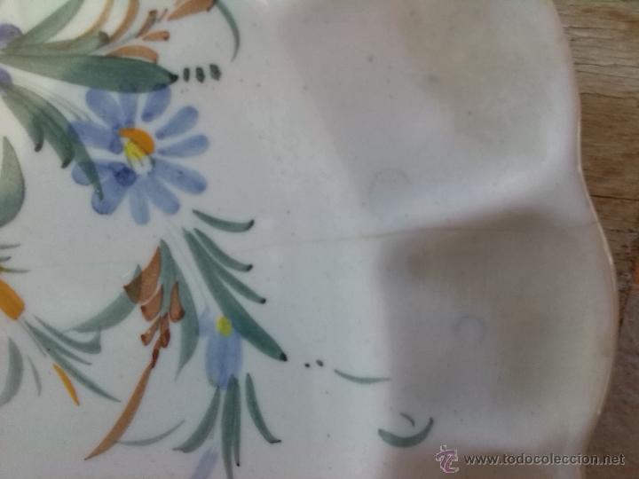 Antigüedades: antiguo plato pintado a mano y firmado lario. - Foto 3 - 44389581