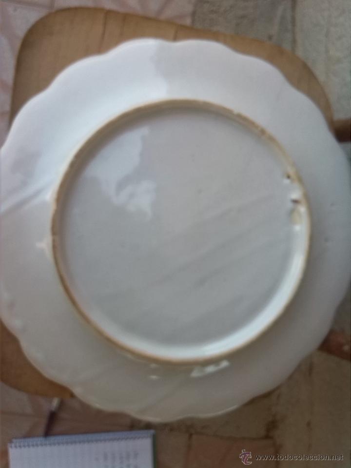 Antigüedades: antiguo plato pintado a mano y firmado lario. - Foto 5 - 44389581