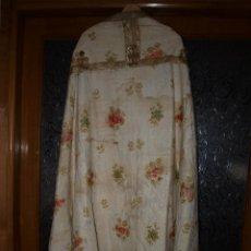 Antigüedades: CAPA PLUVIAL, FINALES DEL SIGLO XVIII. MUY DECORADA.. Lote 44400379