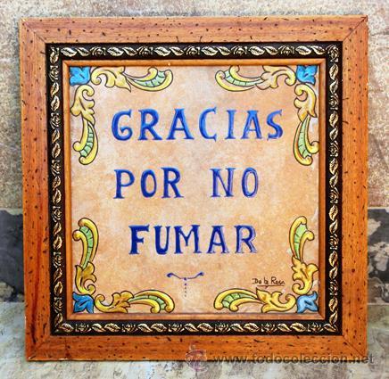Antigüedades: SIMPÁTICO AZULEJO FIRMADO. DE LA ROSA. GRACIAS POR NO FUMAR. ENMARCADO. VALENCIA. - Foto 2 - 44455301