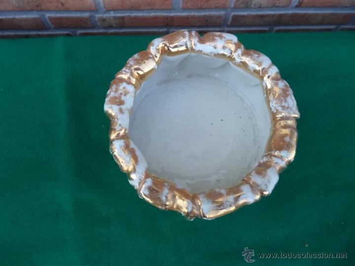 Antigüedades: macetero de porcelana y dorado - Foto 2 - 44471836