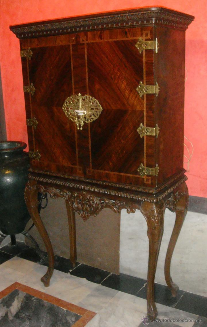 Antiguo armario licorera chino patas de garra comprar - Armarios antiguos de segunda mano ...