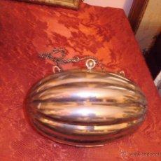 Antigüedades: PRECIOSO BOLSO EN METAL PLATEADO DE CADENA LARGA. Lote 44485130