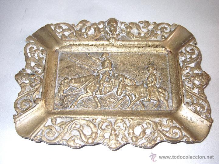 BONITO CENICERO DE DON QUIJOTE DE LA MANCHA EN BRONCE (Antigüedades - Hogar y Decoración - Ceniceros Antiguos)