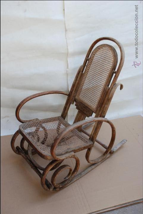 Mecedora estilo thonet antigua de rejilla par comprar for Antiguedades para restaurar