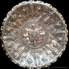 Antigüedades: PRECIOSA BANDEJA PLATA SELLO COR NOR - 35 CMS DIAMETRO - 380 GRAMOS. Lote 44670716