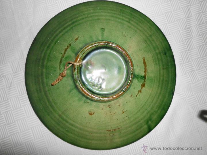 Antigüedades: Plato de cerámica vidriada verde ( Tito Ubeda) - Foto 2 - 44693119
