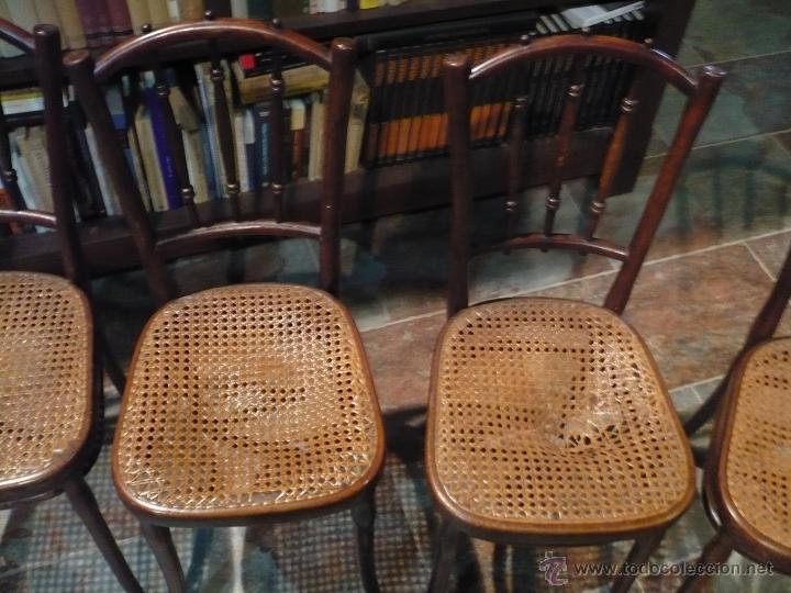 Antigüedades: 4 sillas THONET originales con sello y etiquetas, De Austria. Con la rejilla de 2 a restaurar. - Foto 2 - 44702044