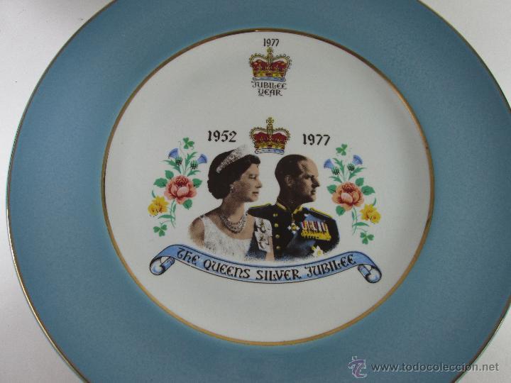 Aº PLATO-GRAN BRETAÑA-BODAS DE PLATA REINA DE INGLATERRA Y PRINCIPE FELIPE EDIMBURGO-1977-BUEN ESTAD (Antigüedades - Porcelanas y Cerámicas - Inglesa, Bristol y Otros)