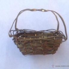 Antiquitäten - Cestillo de metal dorado tejido. C 1900. - 44755564