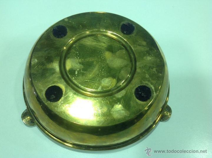 Antigüedades: Cenicero de bronce dorado con monedas - Foto 3 - 44756312