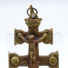 Antigüedades: CRUZ DE CARAVACA BRONCE PPOS S XX. Lote 44759142
