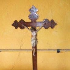 Antigüedades: ANTIGUO CRUCIFIJO DE ALTAR.. Lote 44834405