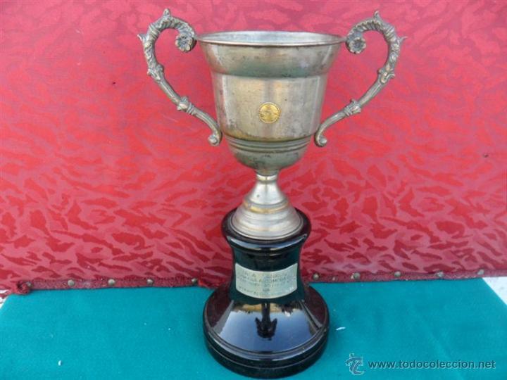 TROFEO EN MADERA Y ALPACA (Antigüedades - Hogar y Decoración - Trofeos de Caza Antiguos)