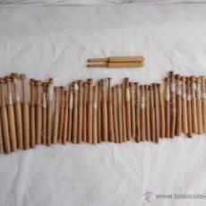 Antigüedades: LOTE DE 46 PALILLOS DE BOLILLOS + 2 PUNTAS.. Lote 44871739