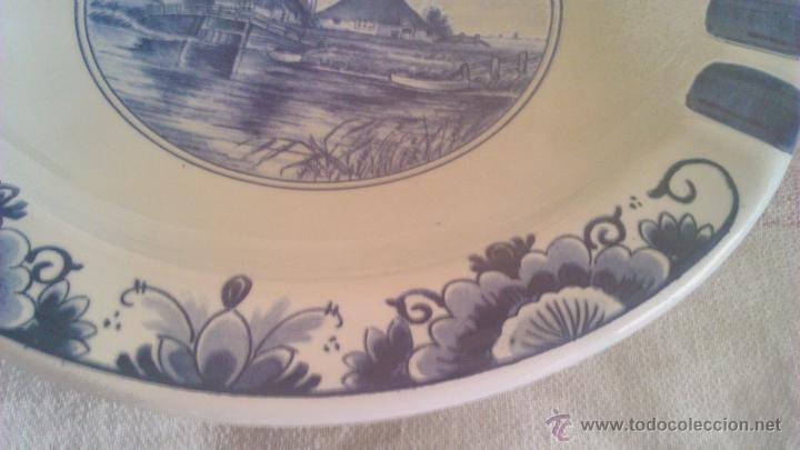Antigüedades: Precioso plato de cerámica holandesa T´DELFTSCHE HUYS HANDWORK 1986.Pintado a mano. - Foto 4 - 44884676