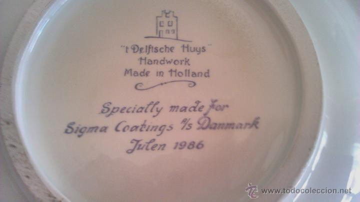 Antigüedades: Precioso plato de cerámica holandesa T´DELFTSCHE HUYS HANDWORK 1986.Pintado a mano. - Foto 6 - 44884676