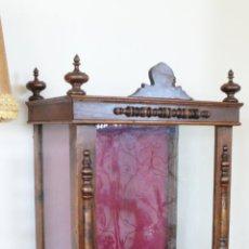 Antigüedades: FANTASTICA CAPILLA HORNACINA ANTIGUA ISABELINA CIRCA 1870 PARA IMAGEN O VIRGEN EN MADERA. Lote 44901565