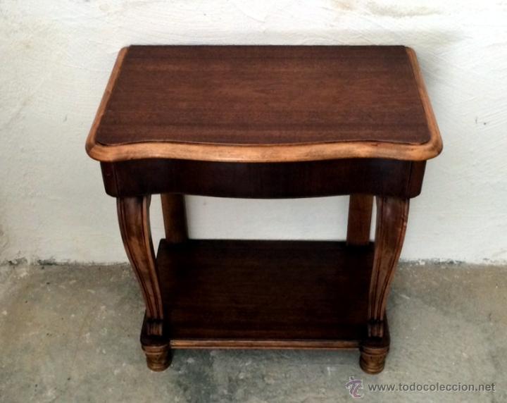 antigua y preciosa mesa auxiliar con caj n y ba comprar