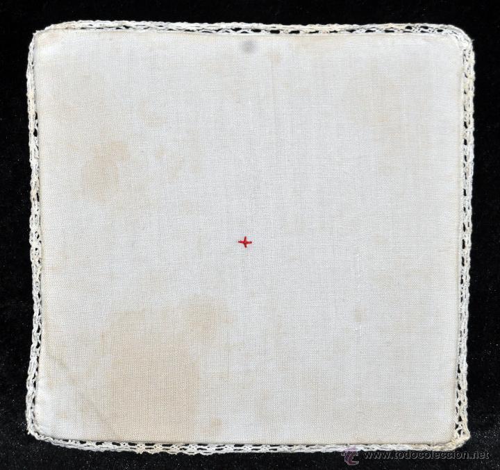 Antigüedades: ANTIGUA PALIA O CUBRE CÁLIZ EN ROPA DE LINO CON DECORACIONES BORDADAS A MANO. CIRCA 1900 - Foto 3 - 44985311