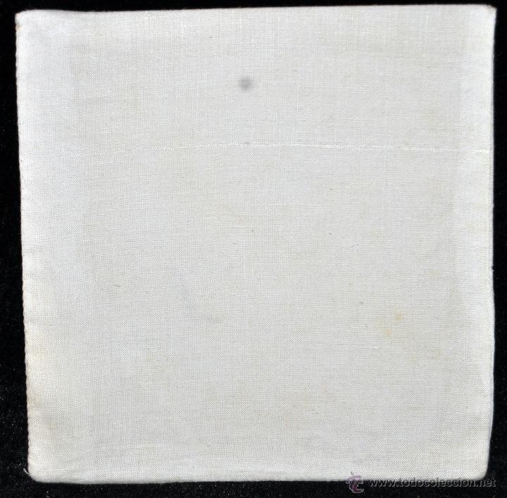 Antigüedades: ANTIGUA PALIA O CUBRE CÁLIZ EN ROPA DE LINO CON DECORACIONES BORDADAS A MANO. CIRCA 1900 - Foto 3 - 44985422