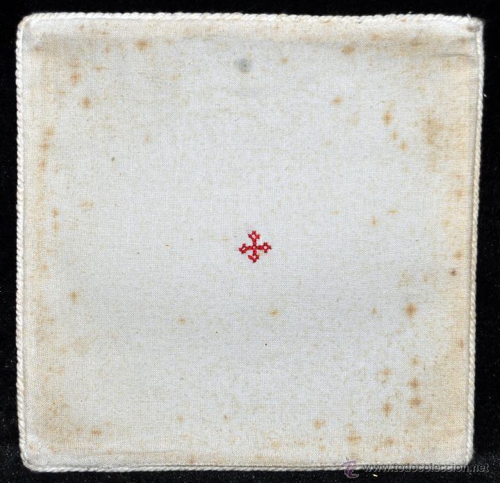 Antigüedades: ANTIGUA PALIA O CUBRE CÁLIZ EN ROPA DE LINO CON DECORACIONES BORDADAS A MANO. CIRCA 1900 - Foto 2 - 44985618
