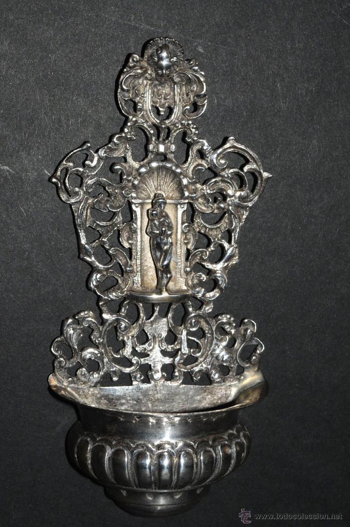 ANTIGUA PRECIOSA BENDITERA EN PLATA CON MARCAS (Antigüedades - Religiosas - Benditeras)