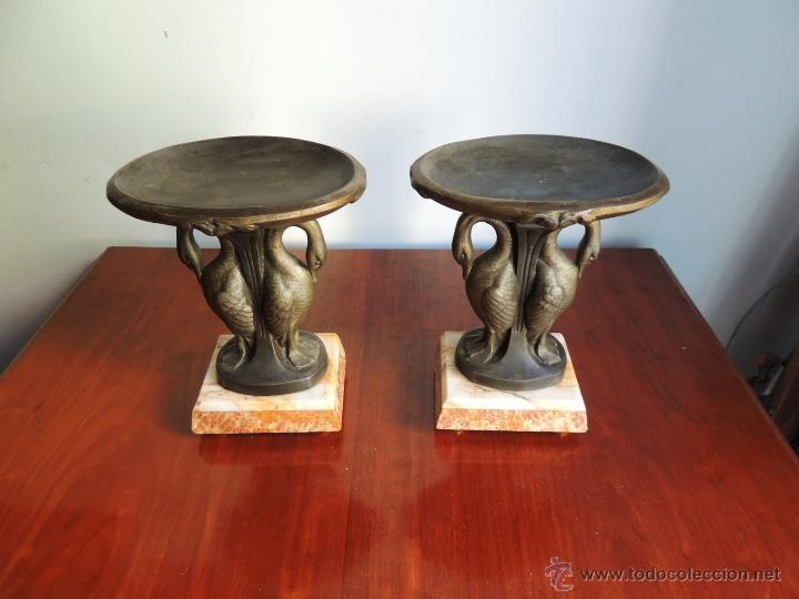 Antigüedades: PAREJA DE COPAS ART DECO DE CALAMINA SOBRE BASE DE MARMOL CON CISNES - Foto 2 - 45059116