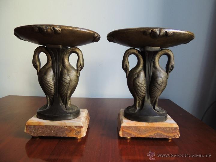 Antigüedades: PAREJA DE COPAS ART DECO DE CALAMINA SOBRE BASE DE MARMOL CON CISNES - Foto 5 - 45059116