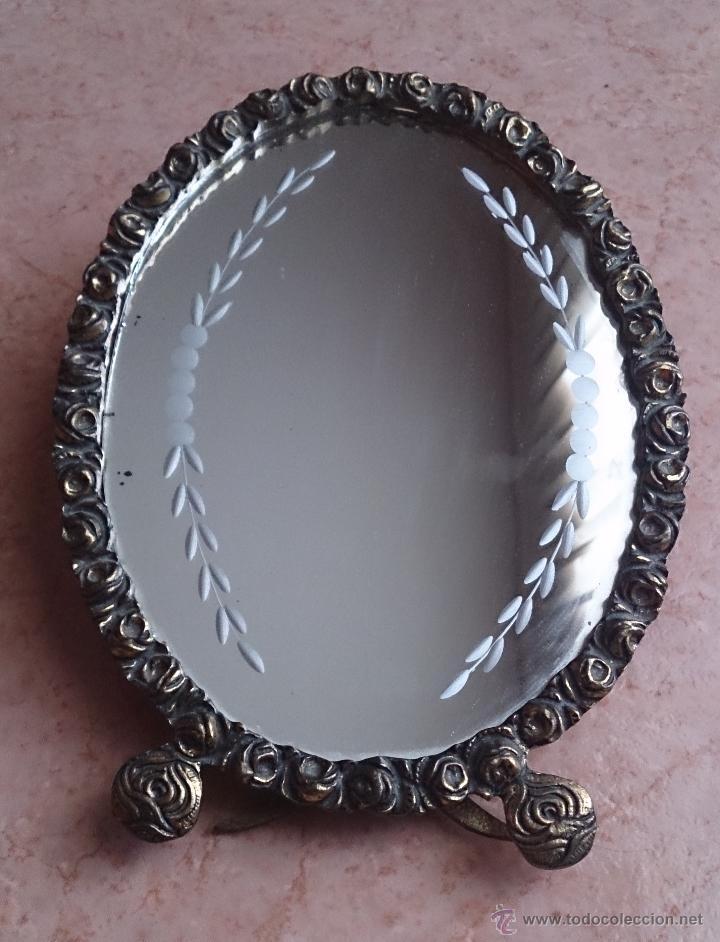 Antigüedades: Antiguo espejo de tocador en bronce formando una corona de rosas y cristal tallado a mano, años 30 . - Foto 7 - 54037263