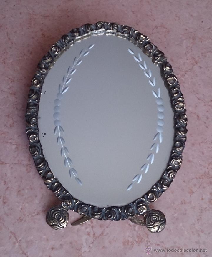 Antigüedades: Antiguo espejo de tocador en bronce formando una corona de rosas y cristal tallado a mano, años 30 . - Foto 8 - 54037263