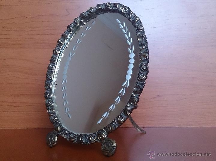 Antigüedades: Antiguo espejo de tocador en bronce formando una corona de rosas y cristal tallado a mano, años 30 . - Foto 12 - 54037263