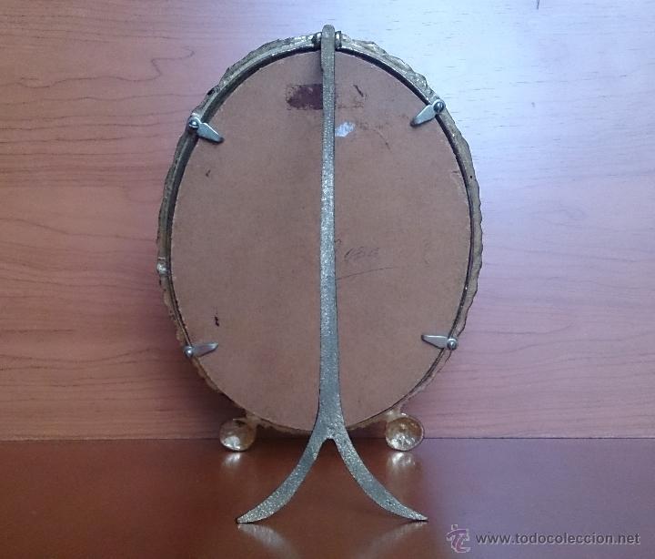 Antigüedades: Antiguo espejo de tocador en bronce formando una corona de rosas y cristal tallado a mano, años 30 . - Foto 14 - 54037263