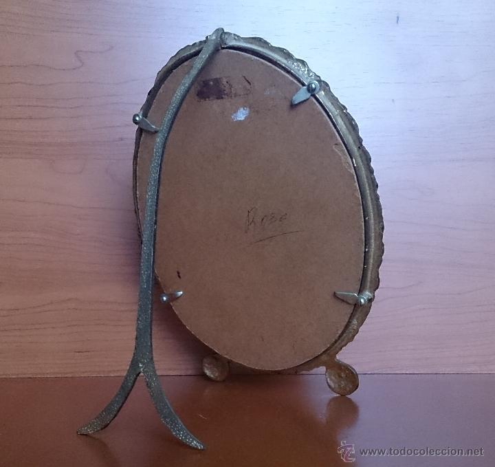 Antigüedades: Antiguo espejo de tocador en bronce formando una corona de rosas y cristal tallado a mano, años 30 . - Foto 15 - 54037263