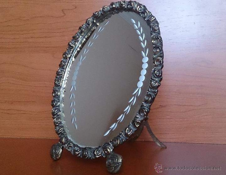 Antigüedades: Antiguo espejo de tocador en bronce formando una corona de rosas y cristal tallado a mano, años 30 . - Foto 18 - 54037263