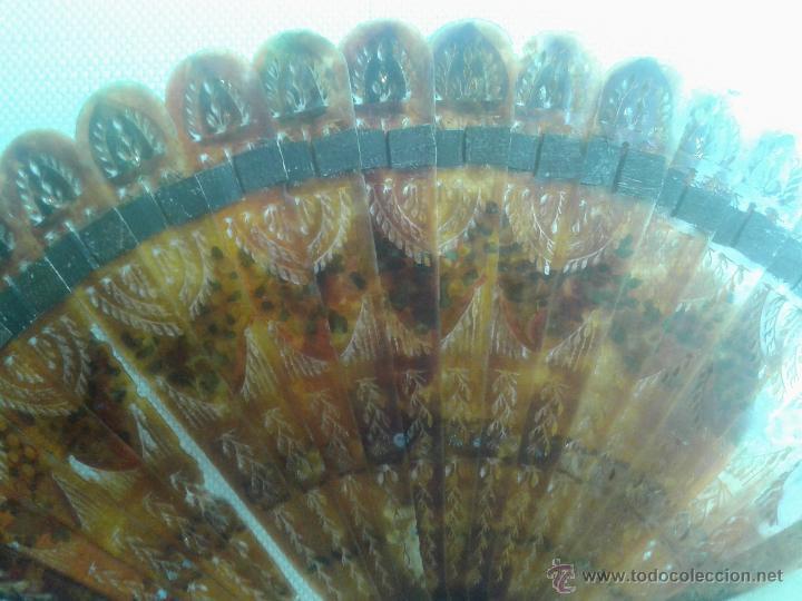 Antigüedades: ABANICO FRANCÉS TIPO BARAJA DE CAREY. CALADO Y PINTADO A MANO. SIGLO XIX - Foto 5 - 45116767