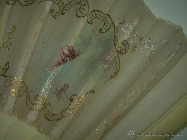 Antigüedades: IMPORTANTE ABANICO DE... MARFIL....DECORADO SOBRE TELA.... SIGLO XIX. - Foto 7 - 141935402